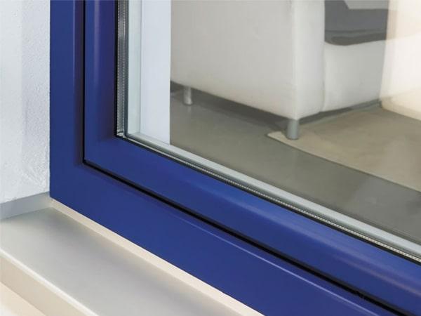 Окно ламинированное синее