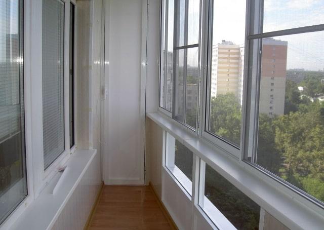 osteklenije-balkonov-holod