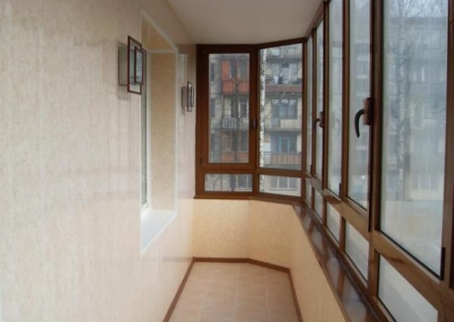 osteklenije-balkonov-lodjiy